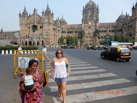 Guide About Mumbai's Churchgate Station