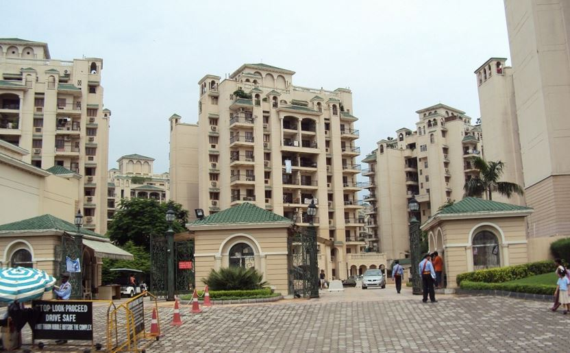 Which are the best Housing Societies Apartments in Noida?